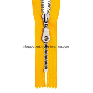 Metal Zipper Puller & Nylon Zipper Slider for Luggage pictures & photos