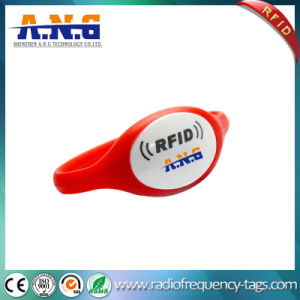 13.56 MHz NFC Silicone RFID Wristbands for The Beach pictures & photos