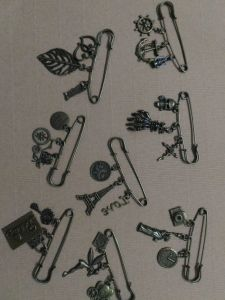 6173c71cc Decorative Bronze Assorted Safety Pins Vintage Hijab Pins Retro Brooches