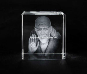 Sai Baba Photo in Crystal Cube for Hindu Souvenir Gift pictures & photos