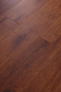 Laminate Floor HDF E1 AC3 Embossed-in-Register (EIR) pictures & photos