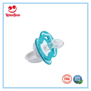 Medical Grade Silicone Nipple Pacifier for Newborn Baby pictures & photos