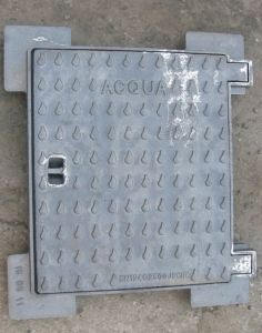 En124 Square Ductile Iron Casting Manhole Cover and Frame pictures & photos