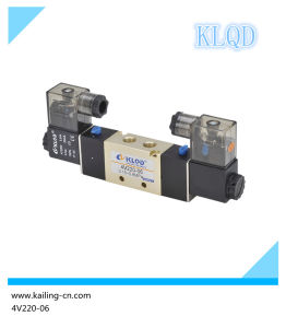 Solenoid Valve/Pneumatic Control/ 3 or 5 Way/ Control Air/4V pictures & photos
