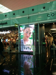 P3.33 Full Color Clothes Window Showing Digital Screen Wall Board pictures & photos