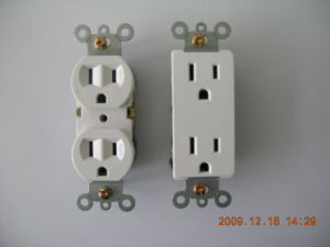 15A 125V Standard Duplex Receptalce, Straight Blade, Residential Receptacle pictures & photos