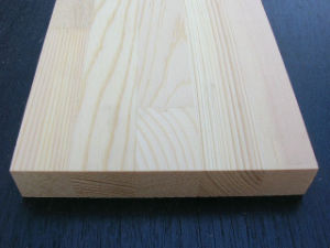 Spruce/Radiata Pine Figer Joint Board pictures & photos