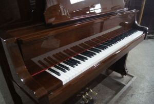 Best Selling Factory Price Solid Wood Acoustic Upright Piano Hu-132wa