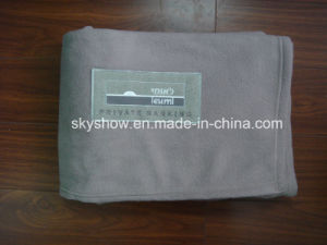 100% Polyester Acrylic Airplane Blanket with Flame Retardant pictures & photos