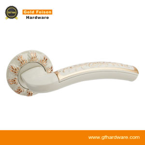 High Quality Zinc Alloy Door Handle on Rose (R106-Z136) pictures & photos