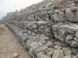 Hexagonal Gabion Mesh (ISO standard 20 years factory) pictures & photos