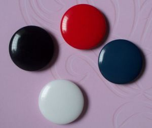 Garment Clothing Accessories Resin Shirt Button pictures & photos