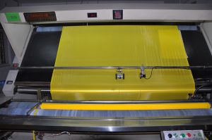 150t-34y Yellow Polyester Screen Printing Mesh 165cm Width
