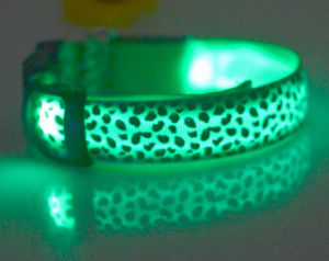 Wholesale Leopard Print USB Rechargeable LED Luminous Dog Collar