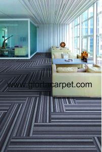 Hand Tufred / High Quality /Carpet Tile pictures & photos