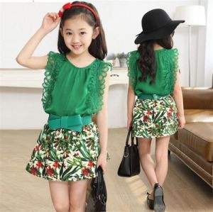 Children′s Casual Korean Floral Short-Sleeved Two-Piece Suit pictures & photos