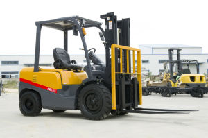 Factory 3ton Gasoline Forklift with Japanese Nissan K25 CE Certification