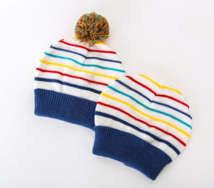2017 Fashion Leisure Colorful Strip Beanie Hat pictures & photos