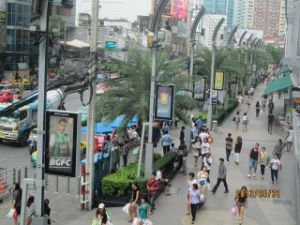 Thailand Outdoor Shopping Mall Advertising Lamp Post Light Box pictures & photos