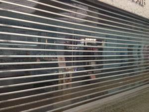 Motorized Polycarbonate Roller Shutter Door (PC7) pictures & photos