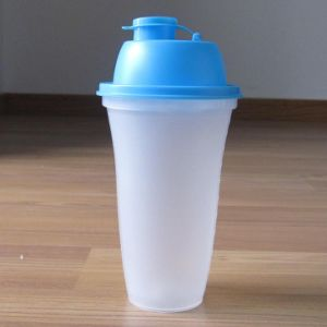500ml Plastic Shaker Bottles pictures & photos
