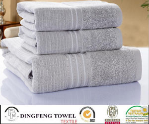 100% Cotton Terry Jacquard Towel Fo Bath or Beach pictures & photos
