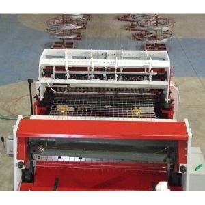 2016 Hot Sale High Efficiency Automatic Wire Fence Making Machine pictures & photos