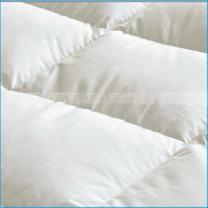 Cotton Fabric Goose/Duck Feather Filled Mattress Pad pictures & photos