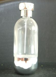 Need Design a Bottle of Perfume pictures & photos