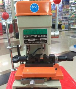 368A Universal Key Cutting Machine for Door and Car pictures & photos