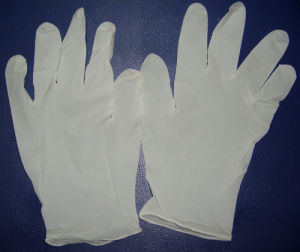 Malayisa Manufactured Stock Sale Latex Gloves pictures & photos