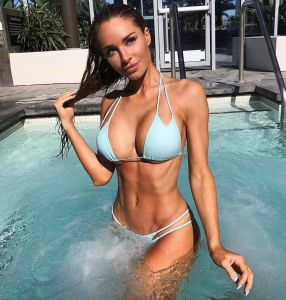 mladé dívky stickam video Sexiest bikini site models