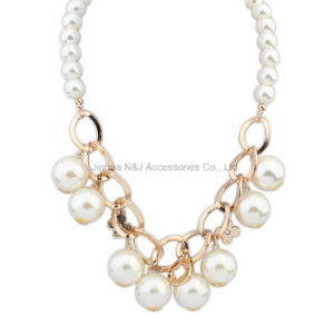 Fashion Jewelry Cluster White Pearl Chain Choker Chunky Statement Bib Necklace
