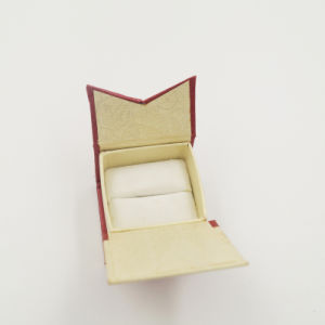 New Design Exquisite OEM Corrugated Velvet Ring Box (J11-A2) pictures & photos