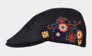 Women′s Floral Embroidery Beret