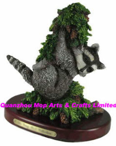 Polyresin Raccoon Statue, Resin Raccoon Figure pictures & photos