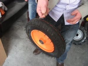 High Rubber Inluded Wheel 3.00-8
