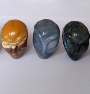 Semi Precious Stone Natural Crystal Alien Carving Skull pictures & photos