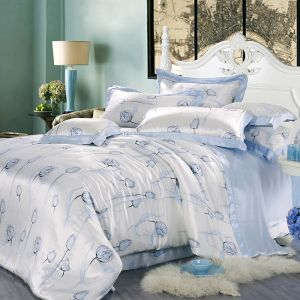 Taihu Snow Home Textile Silk Beautiful Flower Printed Duvet Bedding Set as a Gift pictures & photos