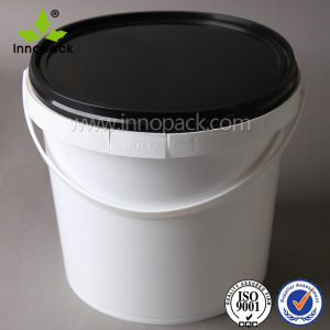 Snap-on Lid 4L Plastic Bucket Pail with Black Lid pictures & photos