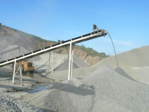Belt Conveyor for Moving Gravel, Dirt, Sand, Rock and Mud
