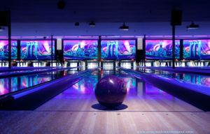 Bowling Equipment Bowling Lane Glow-in-Dark pictures & photos