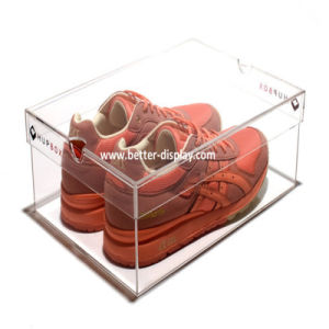 Clear Plexiglass Acrylic Shoe Display Case pictures & photos