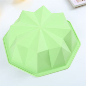 Diamond Shaped Non-Stick Food Grade Silicone Cake Pan pictures & photos
