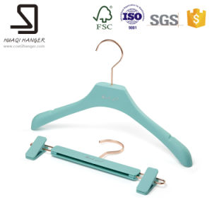 Plastic Curved Clothes Hanger, Plastic Pants Hanger pictures & photos