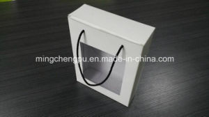 Unprinted Corrugated White Paper Box with Plastic Handle (With Window)
