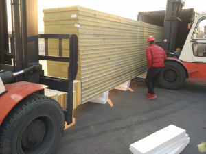 120G/M3 Rockwool Sandwich Panel Board pictures & photos