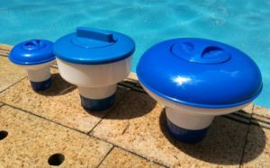 Swimming Pool Cleaning Tools Floating Chemical Dispenser for 3\