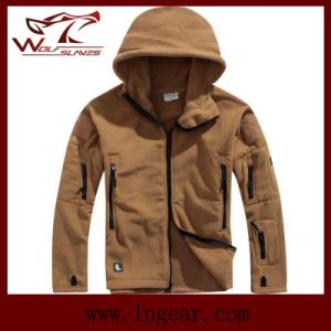 Winter Coldproof Fleece Jackets Outdoor Windproof Jackets Fashion Men Jackets Tan pictures & photos