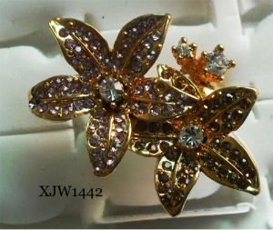 Diamond Flower Diamond Ring (XJW1442) pictures & photos